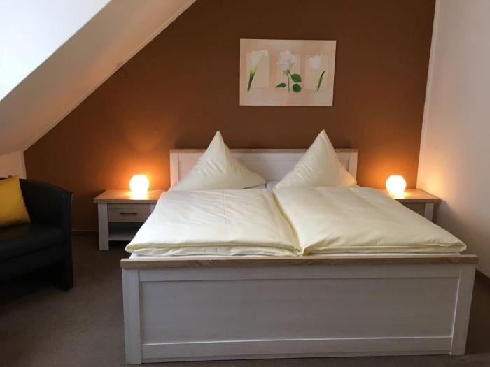 zimmer in l beck das hotelchen handwerker gesch ftsreisende kurzurlauber. Black Bedroom Furniture Sets. Home Design Ideas